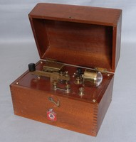 Image of GAMAGES MORSE KIT AND BUZZER, 1940's