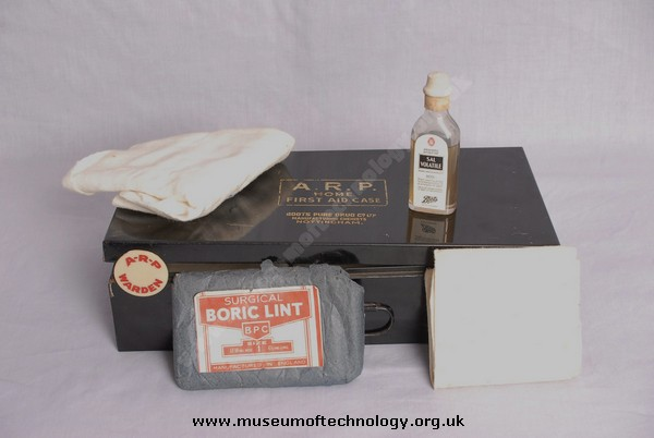 WWII ARP (AIR RAID PRECAUTIONS) FIRST AID KIT