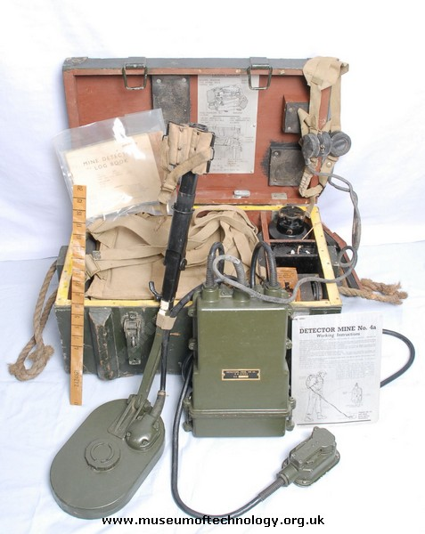 WWII MINE DETECTOR 4A, 1942
