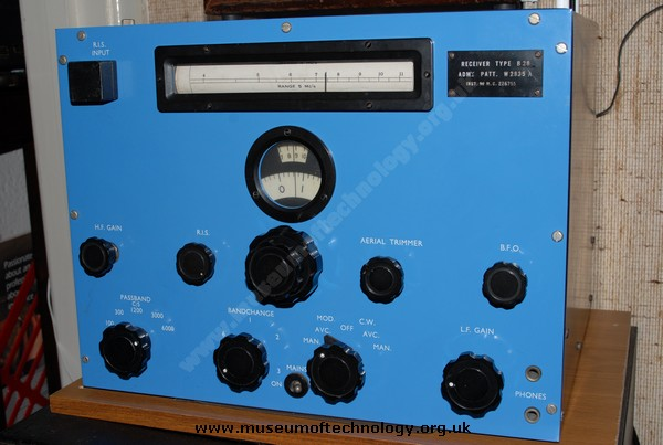 WWII  MARCONI CR 100 RECEIVER (B28)