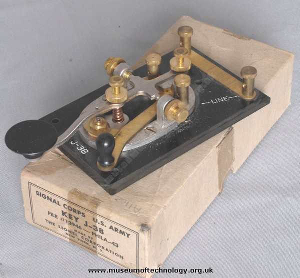 WWII US SIGNAL CORPS MORSE KEY, 1943