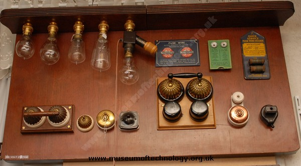 LAMP AND SWITCH DEMONSTRATION BOARD, 1910's