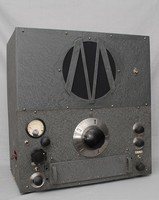 Image of WW2 HRO MARCONI WORKERS WIRELESS (RADIO), 1940's