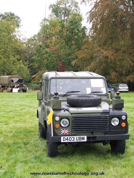 MILITARY COMMUNICATIONS LAND ROVER 90  (external view), 1986